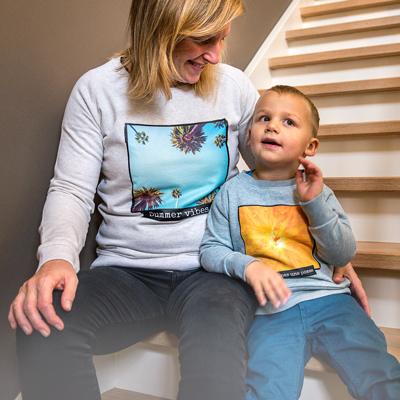 Kinder Sweatshirt mit Foto Blau meliert Rückseite 5 bis 6 Jahre