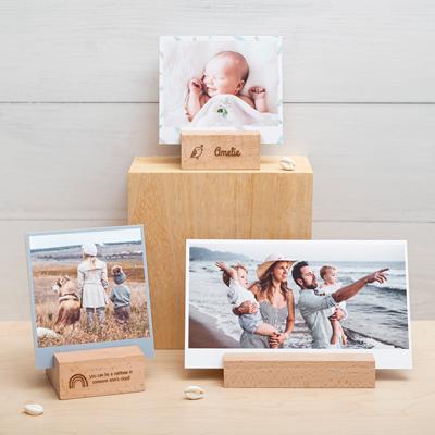 Fotos Querformat im Holzaufsteller mit Gravur